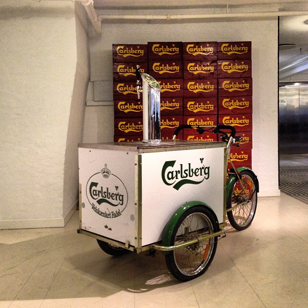 Christiania - Catering, Carlsberg tricycle OLD, in front of crates